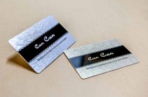 Серебряные и золотые пластиковые карты